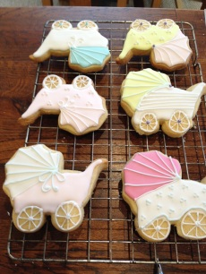 Baby shower biscuits