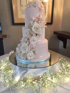 3 tier iced wedding cake